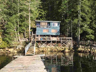 Main Photo: 7711 TUWANEK Trail in Sechelt: Sechelt District House for sale (Sunshine Coast)  : MLS®# R2137669