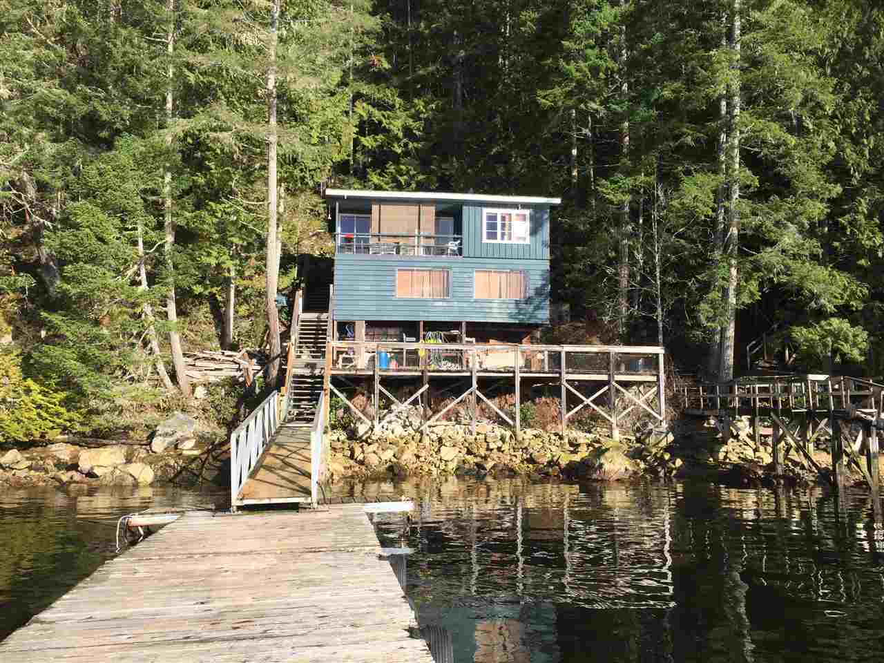 Main Photo: 7711 TUWANEK Trail in Sechelt: Sechelt District House for sale (Sunshine Coast)  : MLS® # R2137669