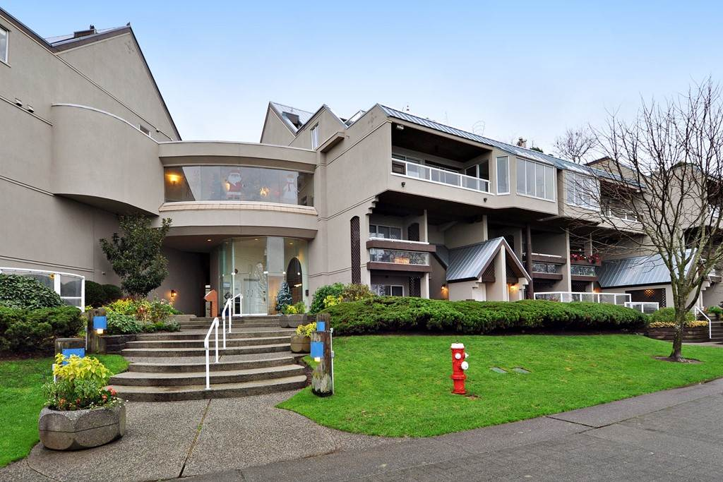 "Main Photo: 412 5 K DE K Court in New Westminster: Quay Condo for sale in ""QUAYSIDE TERRACE"" : MLS®# R2140856"