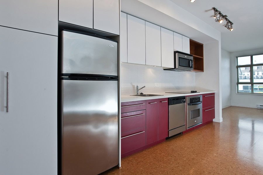 "Photo 3: 202 2828 MAIN Street in Vancouver: Mount Pleasant VE Condo for sale in ""DOMAIN"" (Vancouver East)  : MLS® # R2144613"
