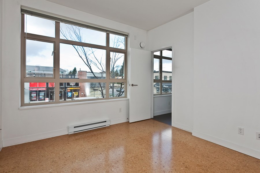 "Photo 8: 202 2828 MAIN Street in Vancouver: Mount Pleasant VE Condo for sale in ""DOMAIN"" (Vancouver East)  : MLS® # R2144613"