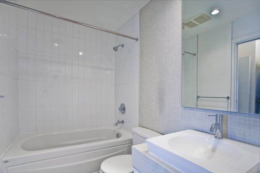 "Photo 13: 202 2828 MAIN Street in Vancouver: Mount Pleasant VE Condo for sale in ""DOMAIN"" (Vancouver East)  : MLS® # R2144613"