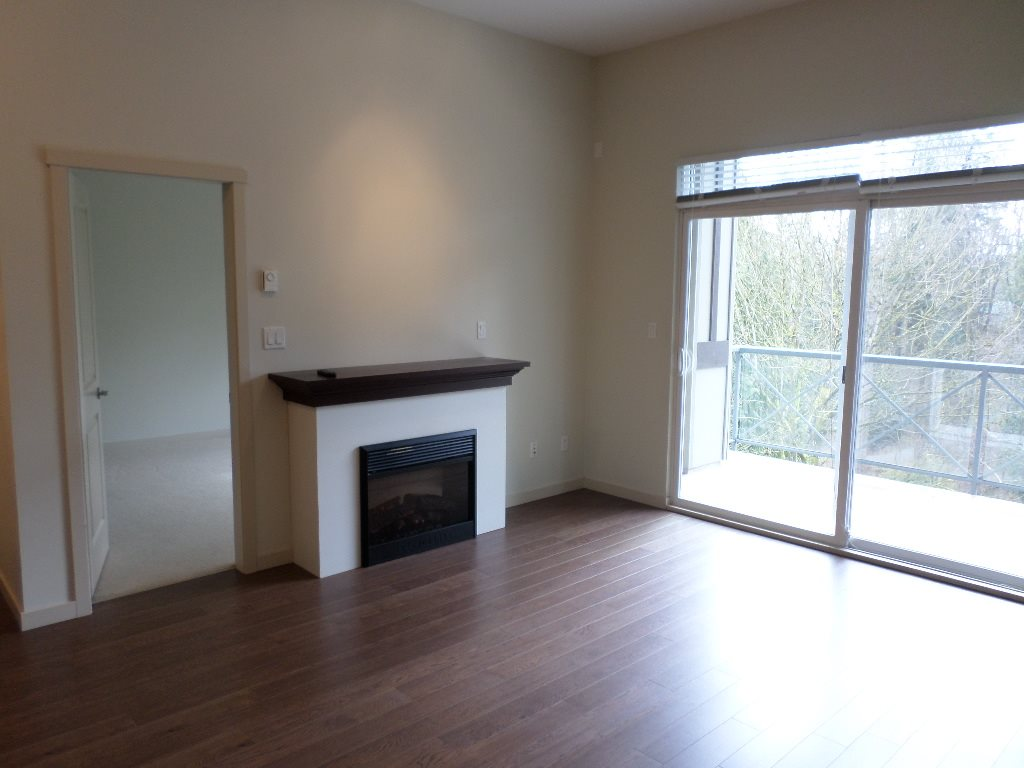"Photo 10: 406 33328 BOURQUIN Crescent in Abbotsford: Central Abbotsford Condo for sale in ""NATURE'S GATE"" : MLS(r) # R2147458"