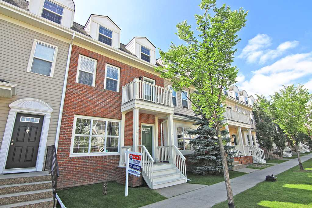 Main Photo: 4455 MCCRAE Avenue in Edmonton: Zone 27 Townhouse for sale : MLS® # E4076975