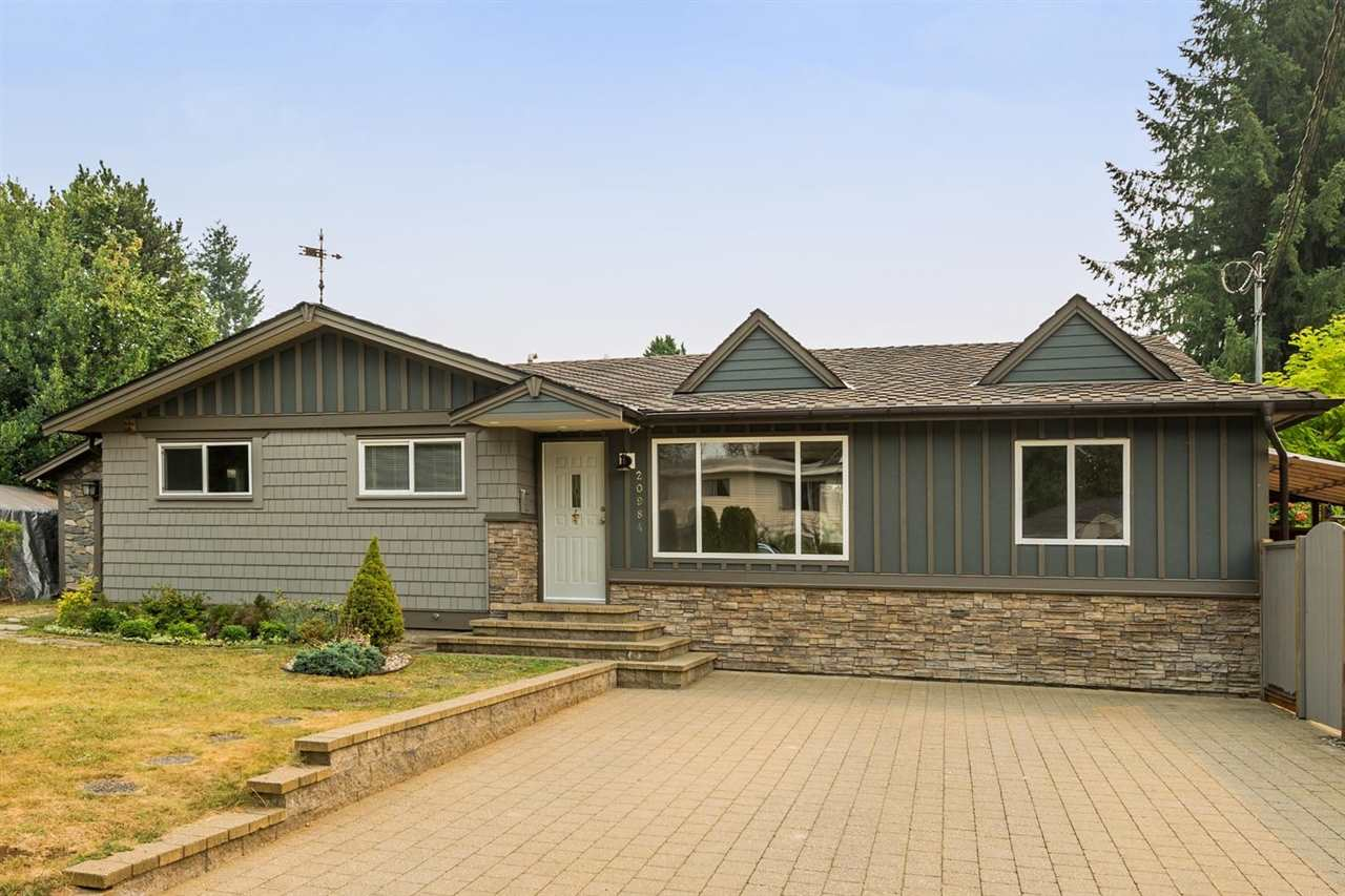 Main Photo: 20984 118 Avenue in Maple Ridge: Southwest Maple Ridge House for sale : MLS®# R2206121