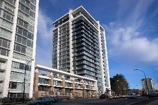 Main Photo: 1704 158 W 13TH Street in North Vancouver: Central Lonsdale Condo for sale : MLS® # R2206560