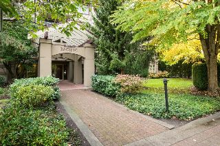 "Main Photo: 207 15220 GUILDFORD Drive in Surrey: Guildford Condo for sale in ""BOULEVARD CLUB"" (North Surrey)  : MLS® # R2214357"