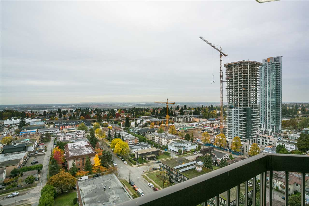 "Photo 15: Photos: 1903 6540 BURLINGTON Avenue in Burnaby: Metrotown Condo for sale in ""Burlington Square"" (Burnaby South)  : MLS® # R2216870"