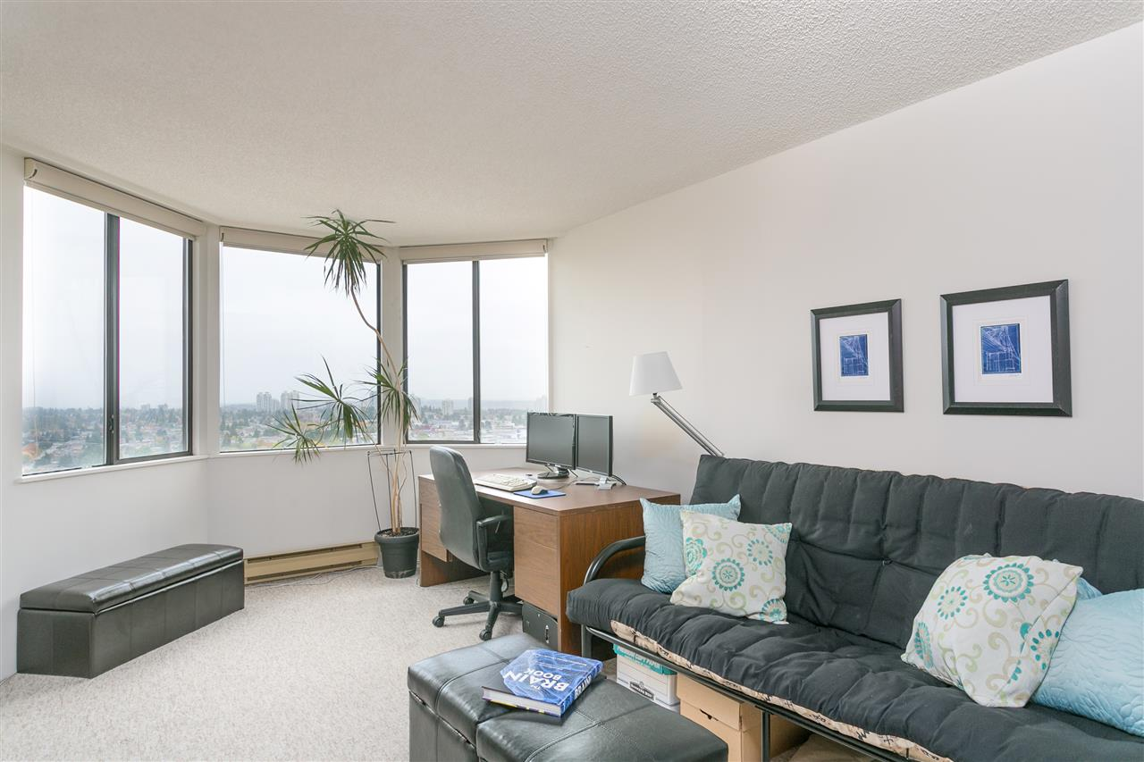 "Photo 13: Photos: 1903 6540 BURLINGTON Avenue in Burnaby: Metrotown Condo for sale in ""Burlington Square"" (Burnaby South)  : MLS® # R2216870"