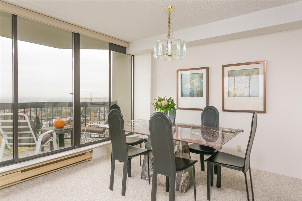"Photo 6: Photos: 1903 6540 BURLINGTON Avenue in Burnaby: Metrotown Condo for sale in ""Burlington Square"" (Burnaby South)  : MLS® # R2216870"