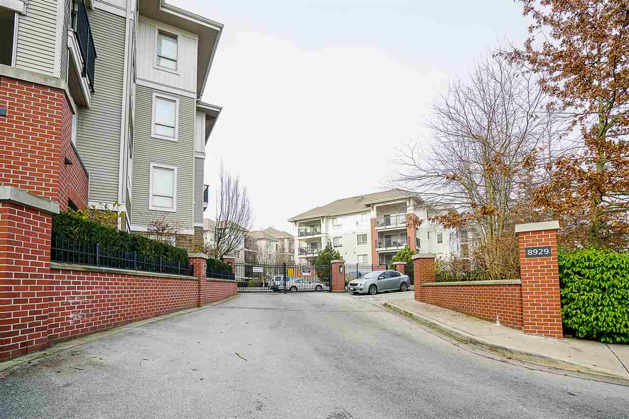 "Photo 3: Photos: D410 8929 202ND Street in Langley: Walnut Grove Condo for sale in ""The Grove"" : MLS® # R2227517"