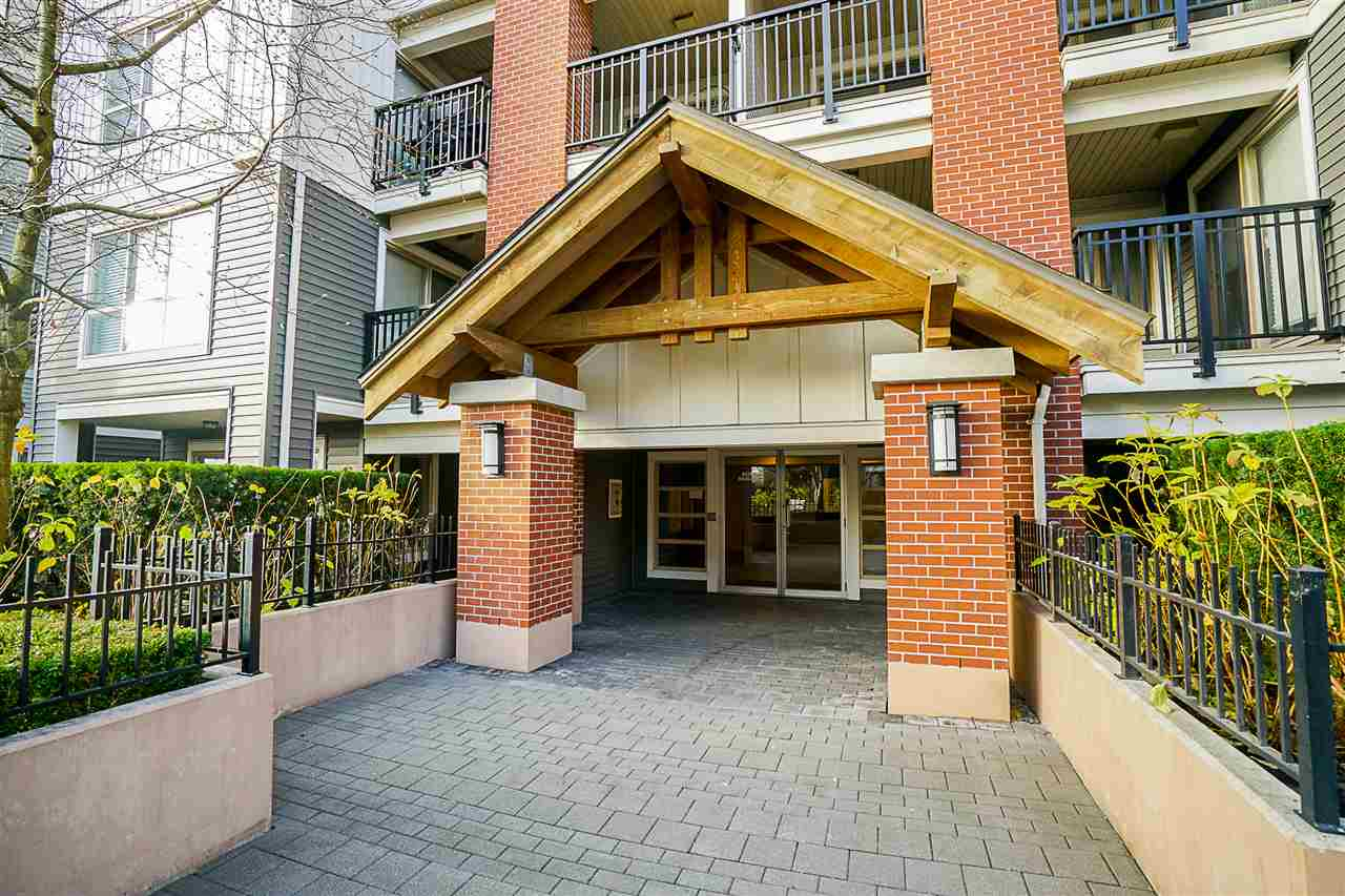 "Photo 4: Photos: D410 8929 202ND Street in Langley: Walnut Grove Condo for sale in ""The Grove"" : MLS® # R2227517"