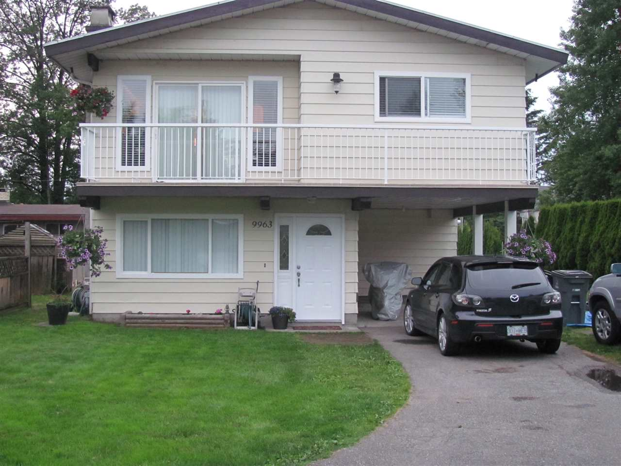 "Main Photo: 9963 127B Street in Surrey: Cedar Hills House for sale in ""Robertson Park"" (North Surrey)  : MLS®# R2243332"