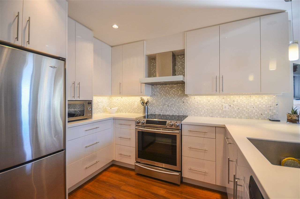 "Main Photo: 207 1010 CHILCO Street in Vancouver: West End VW Condo for sale in ""The Chilco Park"" (Vancouver West)  : MLS®# R2286443"
