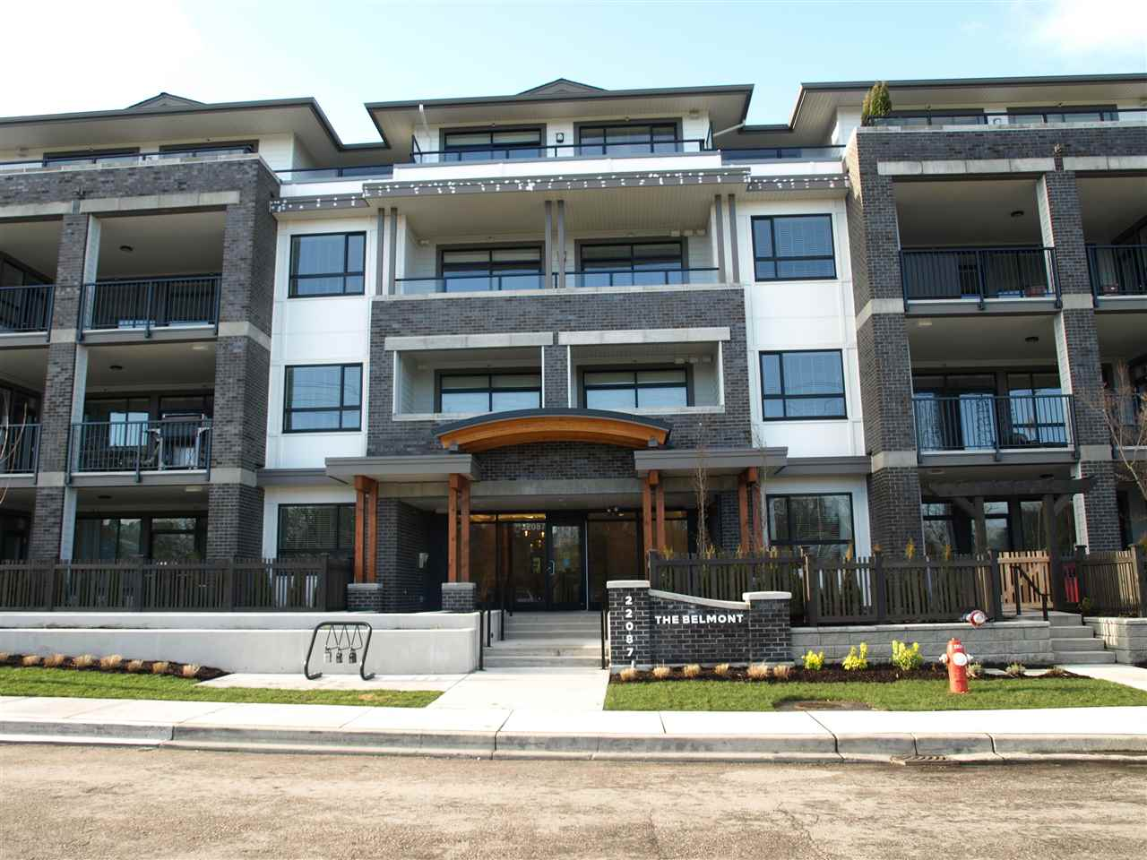 FEATURED LISTING: 406 - 22087 49 Avenue Langley