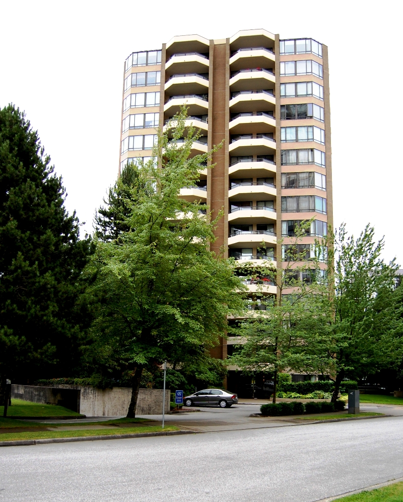 "Main Photo: # 703 - 6282 Kathleen Avenue in Burnaby: Metrotown Condo for sale in ""THE EMPRESS"" (Burnaby South)  : MLS(r) # V954933"