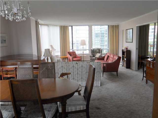 "Photo 4: # 703 - 6282 Kathleen Avenue in Burnaby: Metrotown Condo for sale in ""THE EMPRESS"" (Burnaby South)  : MLS(r) # V954933"