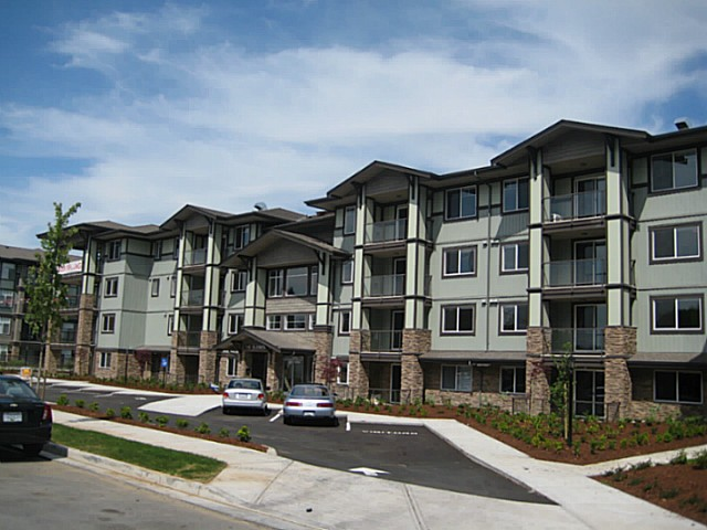FEATURED LISTING: 410 - 2038 SANDALWOOD Crescent Abbotsford