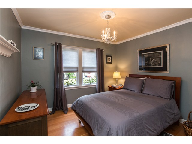 Photo 13: 122 FIFTH Avenue in New Westminster: Queens Park House for sale : MLS(r) # V1066689