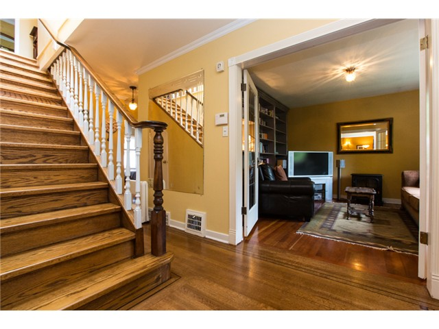 Photo 9: 122 FIFTH Avenue in New Westminster: Queens Park House for sale : MLS(r) # V1066689