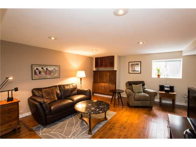 Photo 17: 122 FIFTH Avenue in New Westminster: Queens Park House for sale : MLS(r) # V1066689