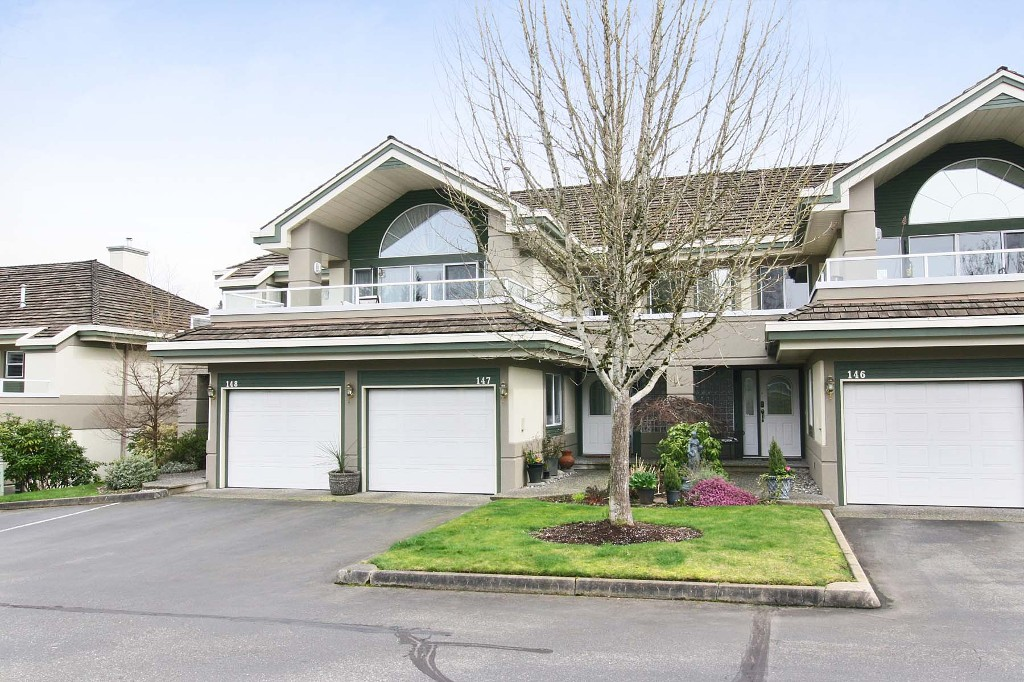 "Main Photo: 147 4001 OLD CLAYBURN Road in Abbotsford: Abbotsford East Townhouse for sale in ""CEDAR SPRINGS"" : MLS®# F1439448"