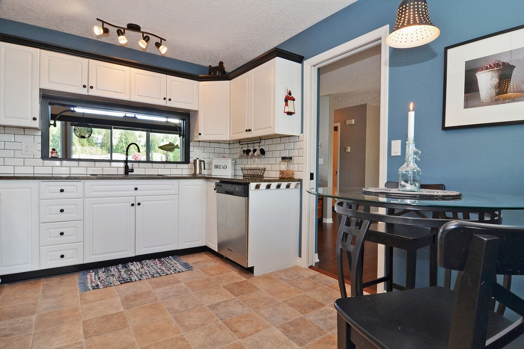 "Photo 5: 147 4001 OLD CLAYBURN Road in Abbotsford: Abbotsford East Townhouse for sale in ""CEDAR SPRINGS"" : MLS(r) # F1439448"