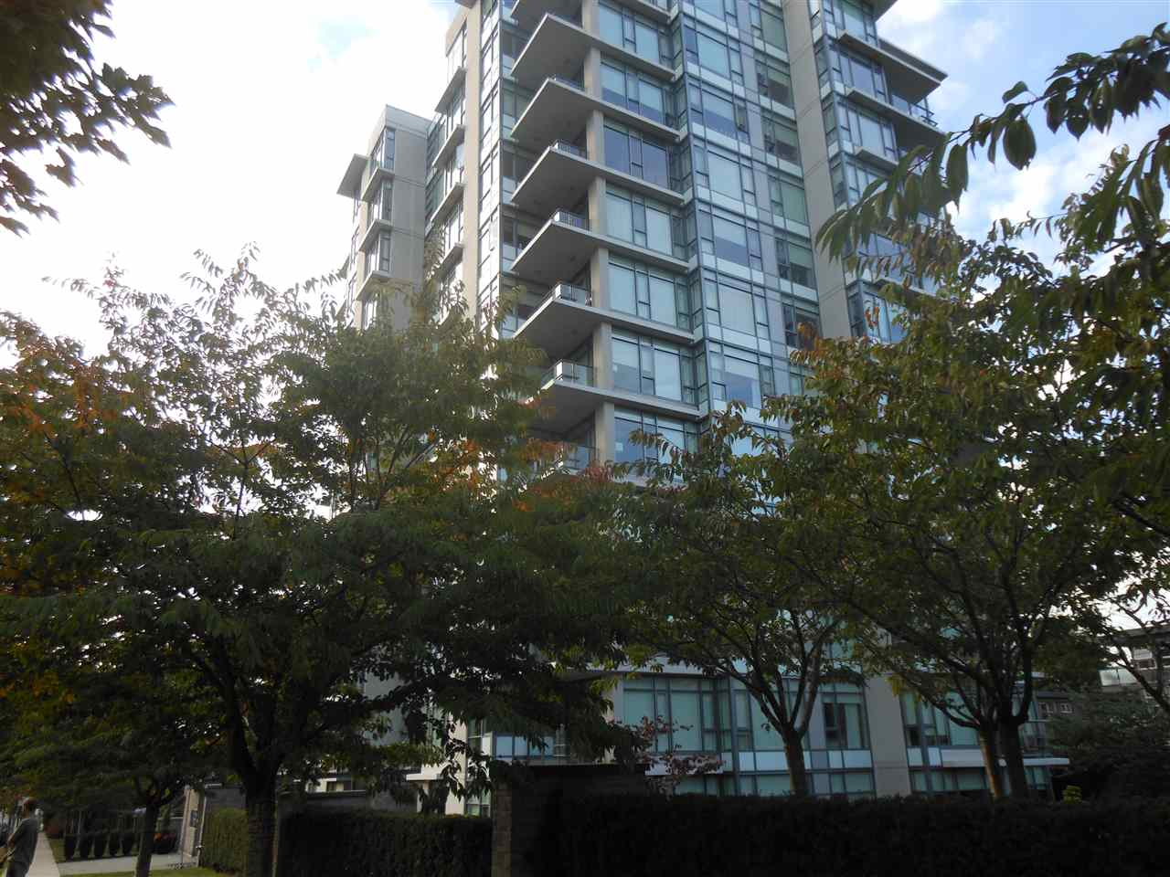 "Main Photo: 207 1333 W 11TH Avenue in Vancouver: Fairview VW Condo for sale in ""SAKURA"" (Vancouver West)  : MLS®# R2006799"