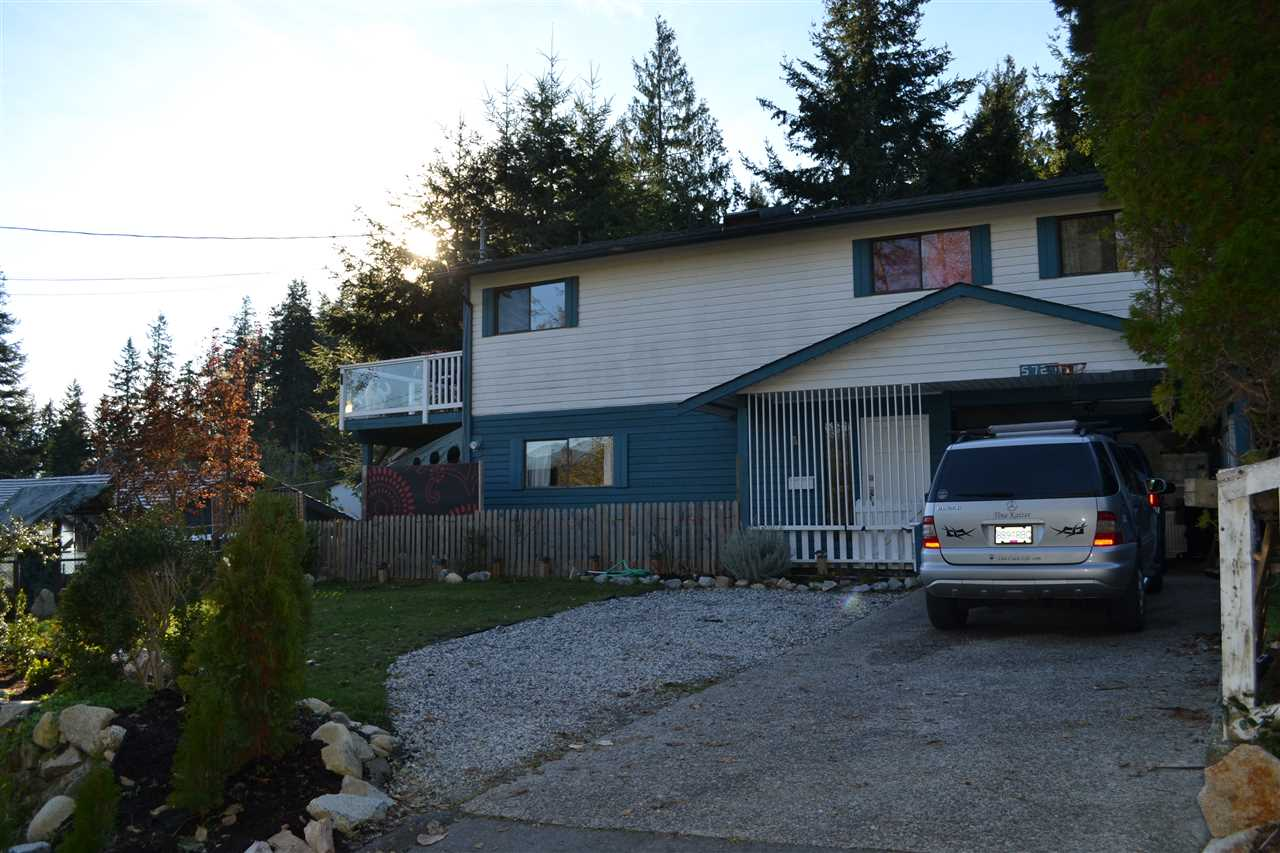 Main Photo: 5727 TRAIL Avenue in Sechelt: Sechelt District House for sale (Sunshine Coast)  : MLS® # R2016891