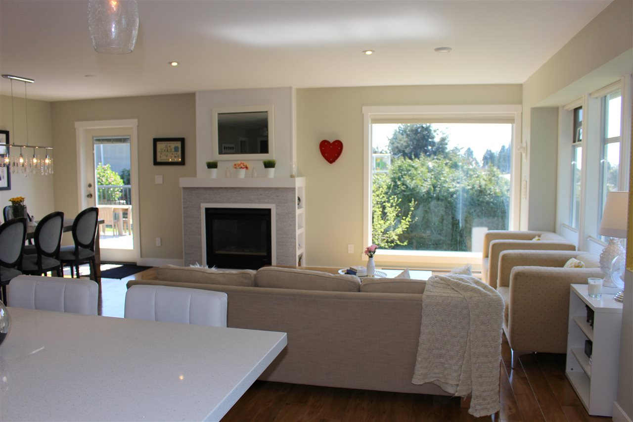 Photo 6: Photos: 4847 BLUEBERRY Place in Sechelt: Sechelt District House for sale (Sunshine Coast)  : MLS® # R2054705
