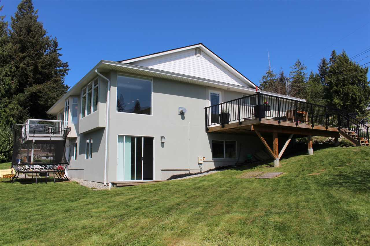 Photo 19: Photos: 4847 BLUEBERRY Place in Sechelt: Sechelt District House for sale (Sunshine Coast)  : MLS® # R2054705
