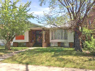 Main Photo: 11013 108 Street NW in Edmonton: Zone 08 House for sale : MLS(r) # E4019898