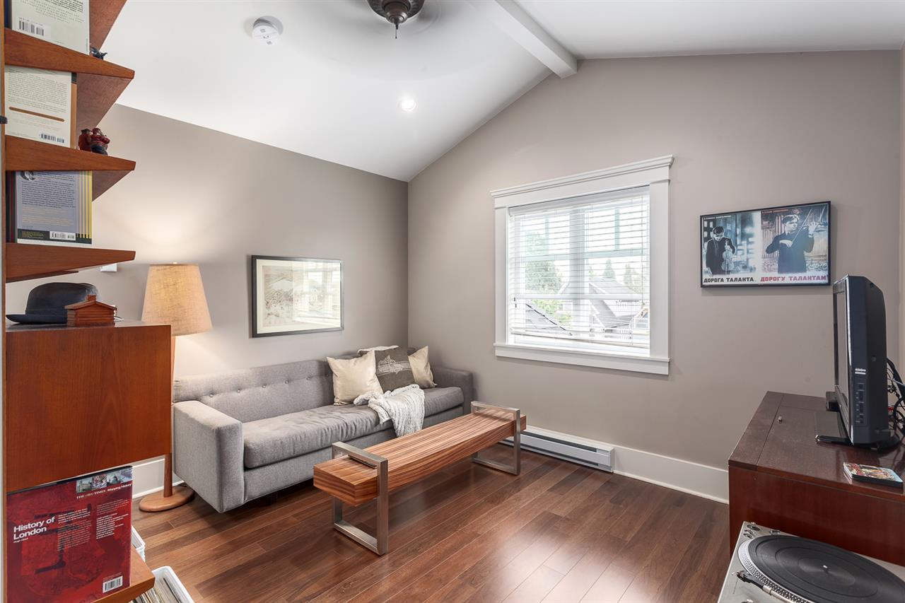 "Photo 12: 1816 CHARLES Street in Vancouver: Grandview VE House 1/2 Duplex for sale in ""COMMERCIAL DRIVE"" (Vancouver East)  : MLS® # R2072693"
