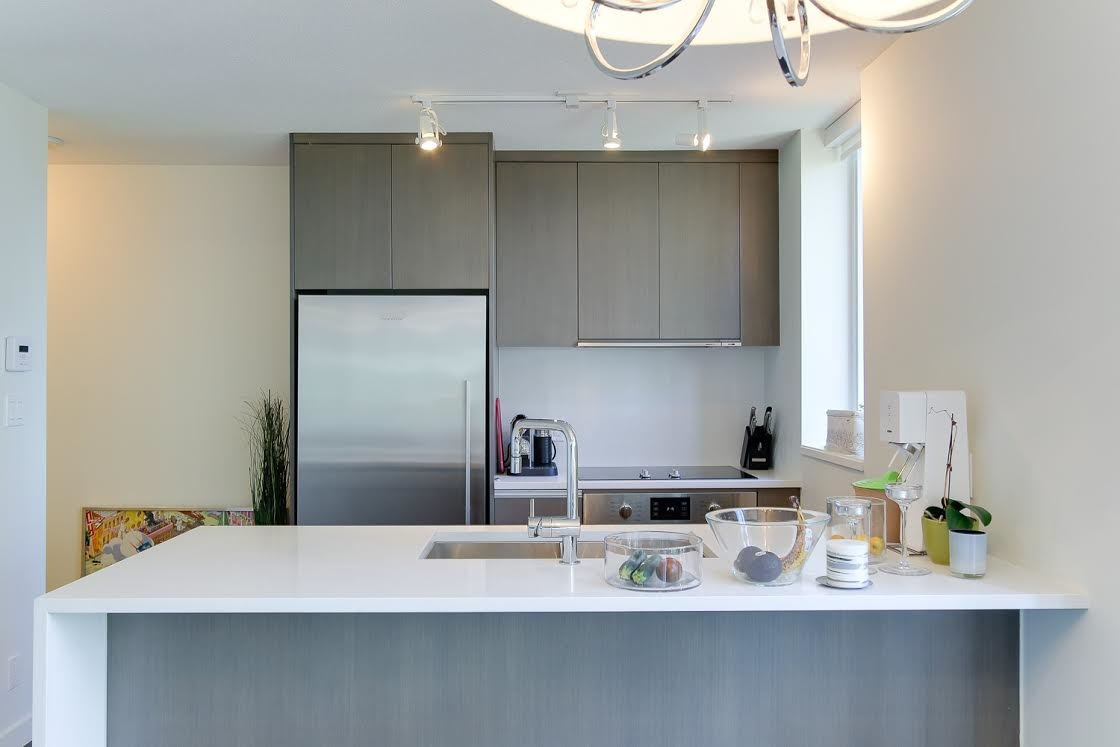 "Photo 5: 802 1009 HARWOOD Street in Vancouver: West End VW Condo for sale in ""MODERN"" (Vancouver West)  : MLS(r) # R2075325"