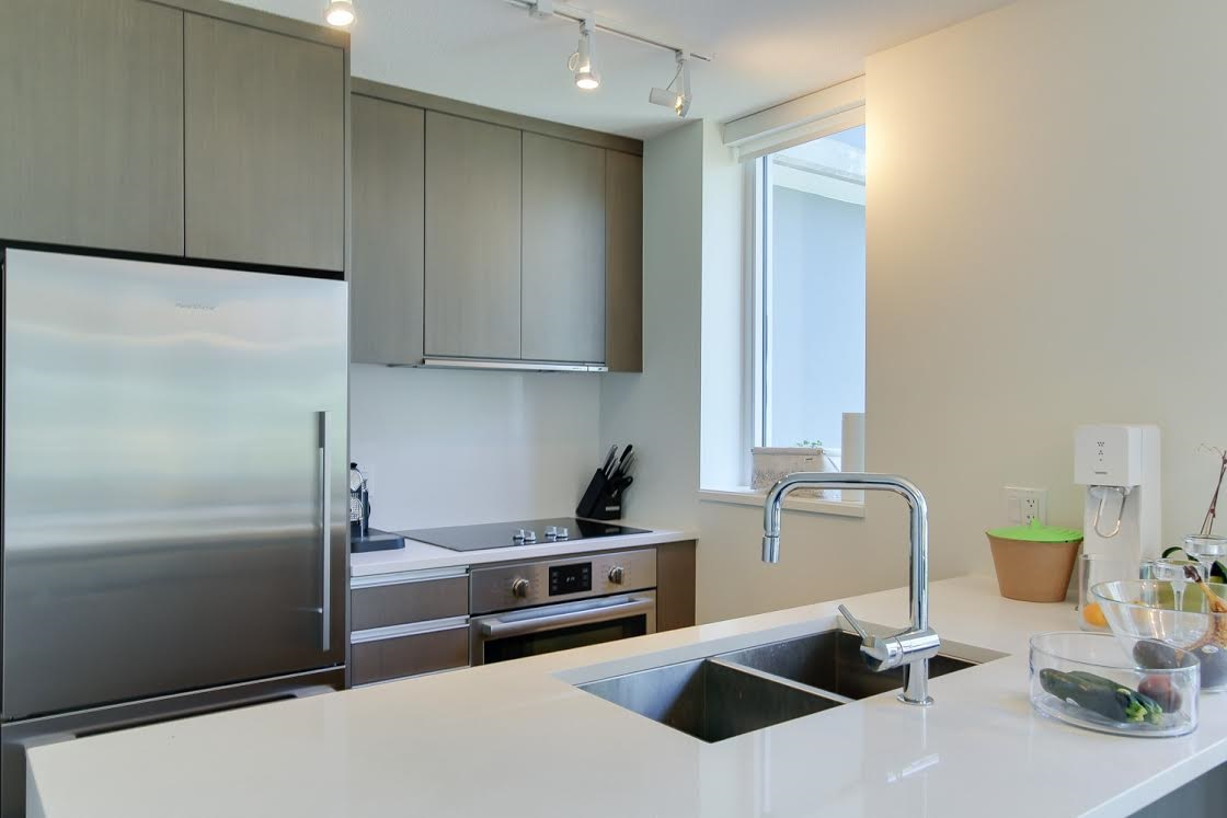 "Photo 4: 802 1009 HARWOOD Street in Vancouver: West End VW Condo for sale in ""MODERN"" (Vancouver West)  : MLS® # R2075325"