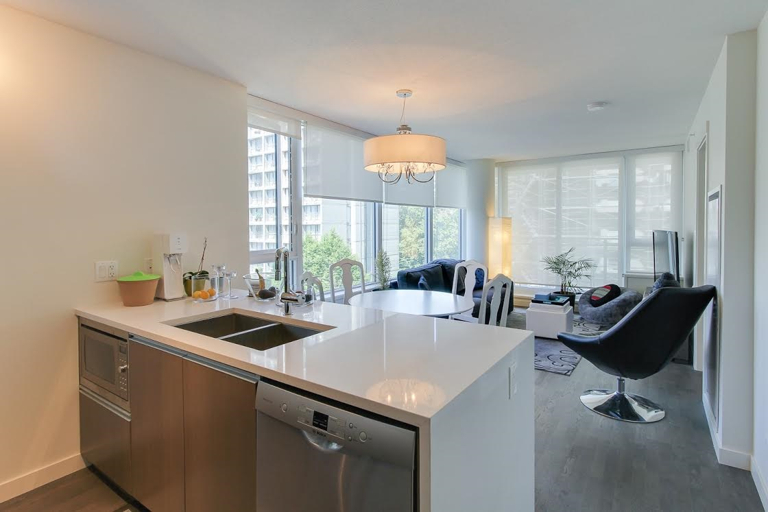 "Photo 3: 802 1009 HARWOOD Street in Vancouver: West End VW Condo for sale in ""MODERN"" (Vancouver West)  : MLS(r) # R2075325"