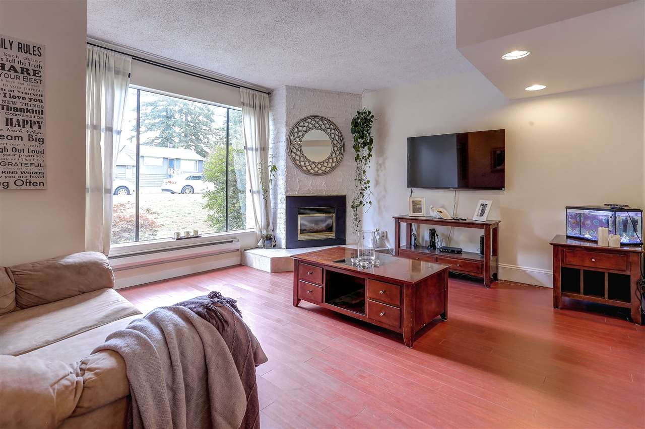 "Main Photo: 3344 VINCENT Street in Port Coquitlam: Glenwood PQ Townhouse for sale in ""BURKVIEW"" : MLS® # R2092003"