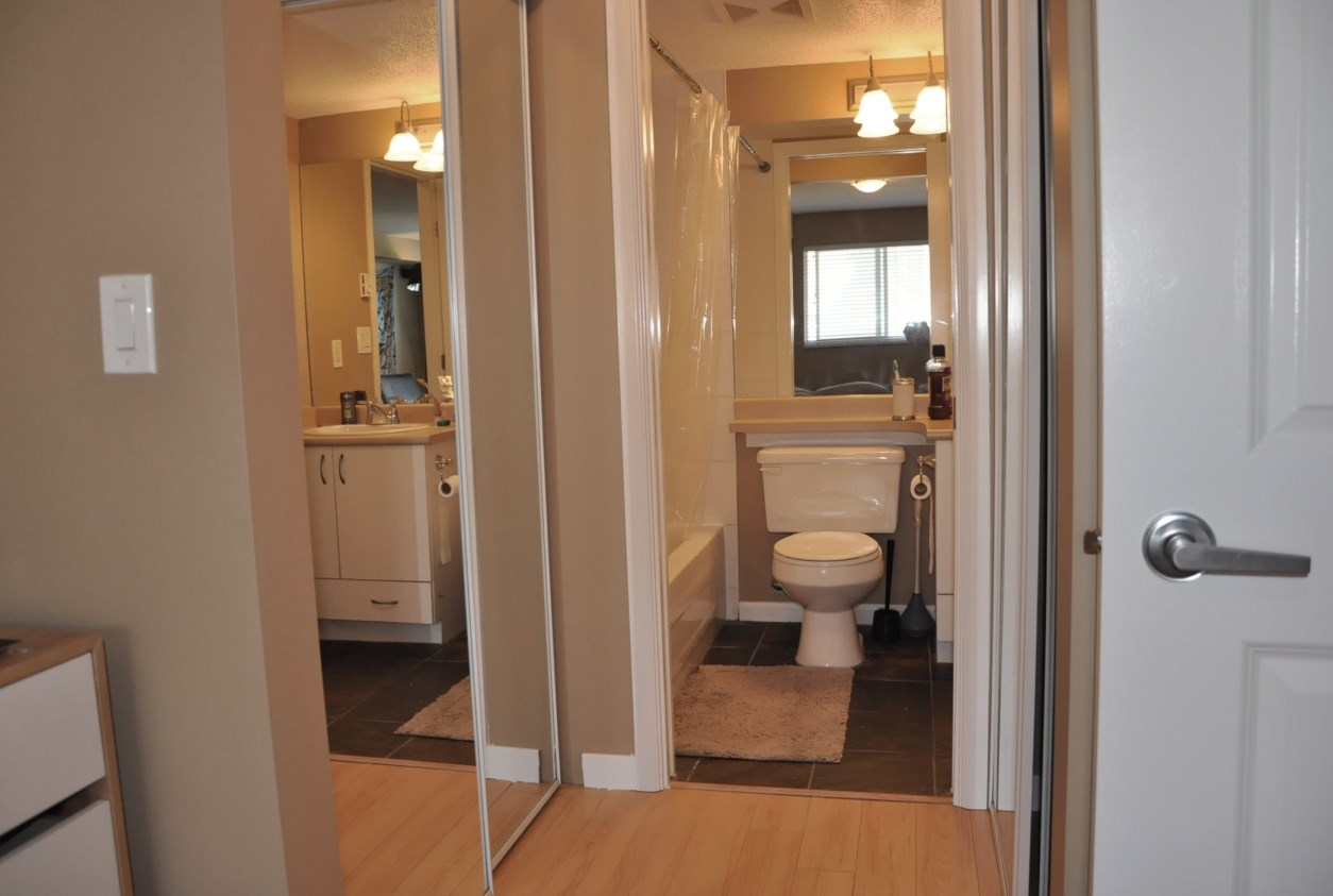 "Photo 9: 203 5465 203 Street in Langley: Langley City Condo for sale in ""STATION 54"" : MLS(r) # R2100862"