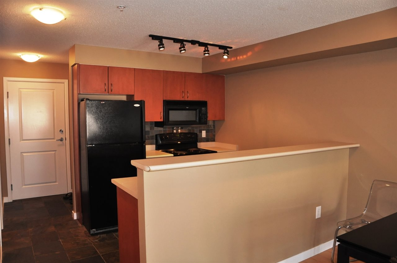 "Photo 6: 203 5465 203 Street in Langley: Langley City Condo for sale in ""STATION 54"" : MLS(r) # R2100862"