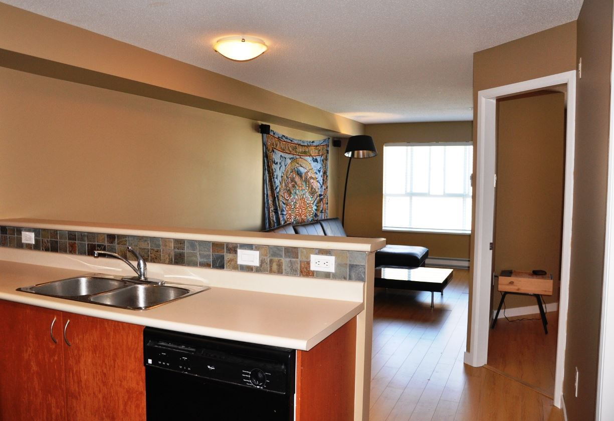 "Photo 4: 203 5465 203 Street in Langley: Langley City Condo for sale in ""STATION 54"" : MLS(r) # R2100862"