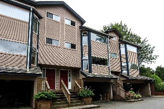Main Photo: 2 1195 FALCON Drive in Coquitlam: Eagle Ridge CQ Townhouse for sale : MLS® # R2117993