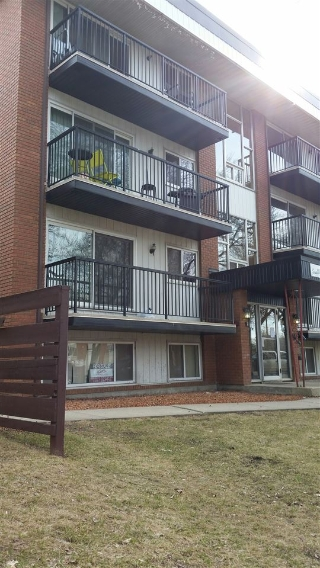 Main Photo: 101 10149 83 Avenue in Edmonton: Zone 15 Condo for sale : MLS(r) # E4058676