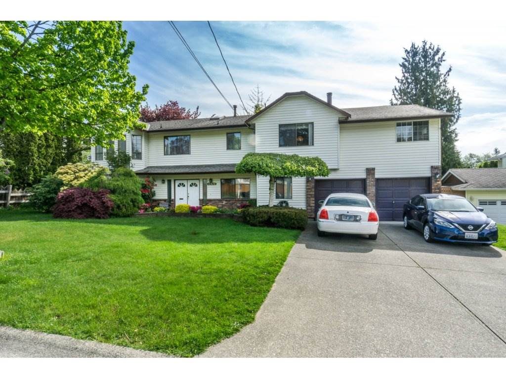 "Photo 2: 6918 143 Street in Surrey: East Newton House for sale in ""E. Newton/W. Sullivan"" : MLS® # R2164293"