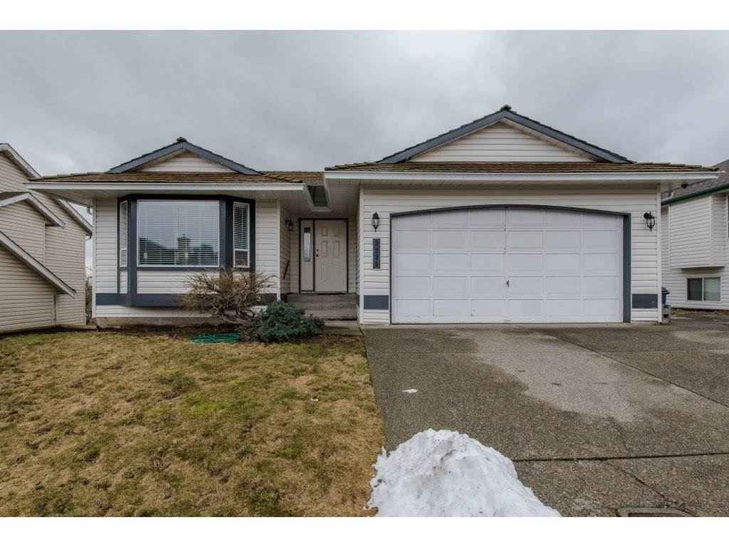 Main Photo: 3225 PONDEROSA Street in Abbotsford: Abbotsford West House for sale : MLS® # R2168208