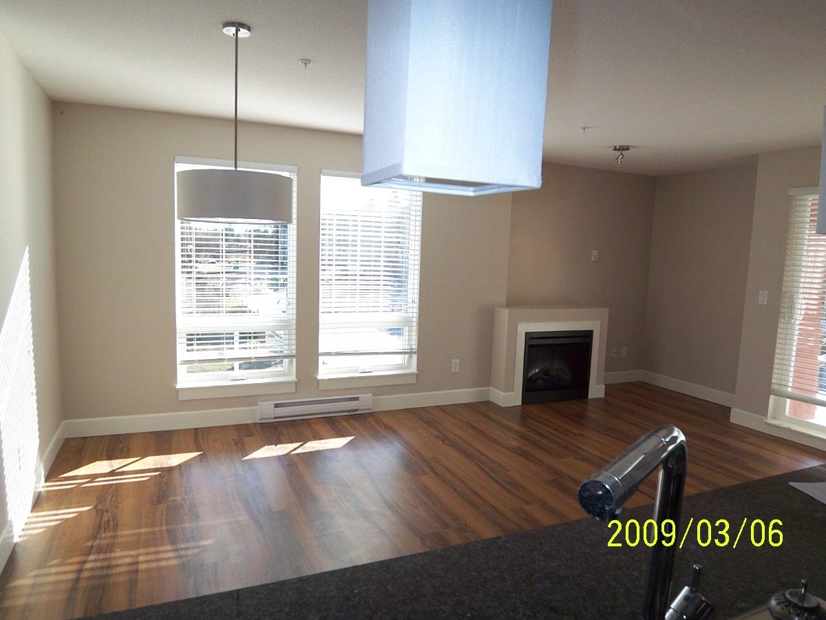 "Photo 2: 315 12283 224 Street in Maple Ridge: West Central Condo for sale in ""THE MAXX"" : MLS(r) # R2178828"