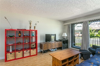 "Main Photo: 205 803 QUEENS Avenue in New Westminster: Uptown NW Condo for sale in ""SUNDAYLE MANOR"" : MLS(r) # R2181762"
