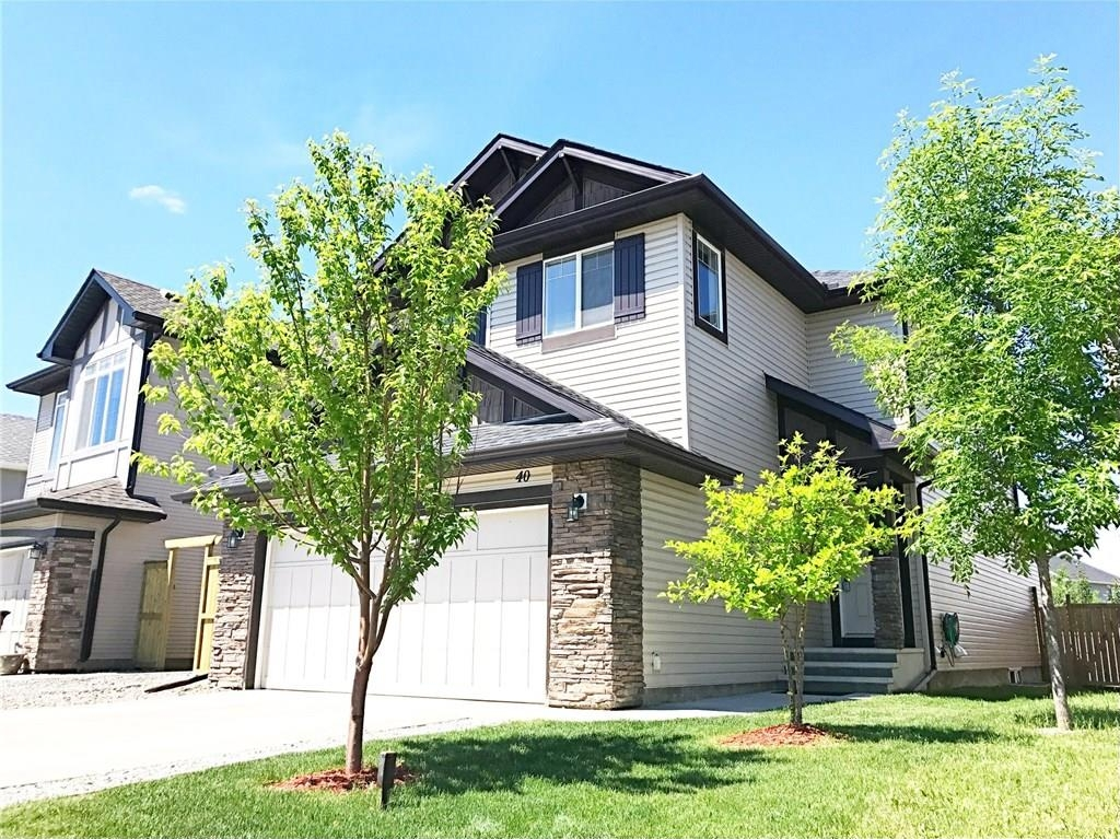 Main Photo: 40 BRIGHTONCREST Common SE in Calgary: New Brighton House for sale : MLS(r) # C4124856