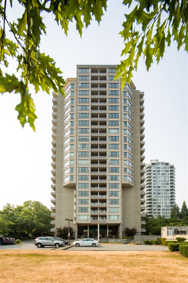 "Main Photo: 603 6055 NELSON Avenue in Burnaby: Forest Glen BS Condo for sale in ""La Mirage II"" (Burnaby South)  : MLS®# R2194645"