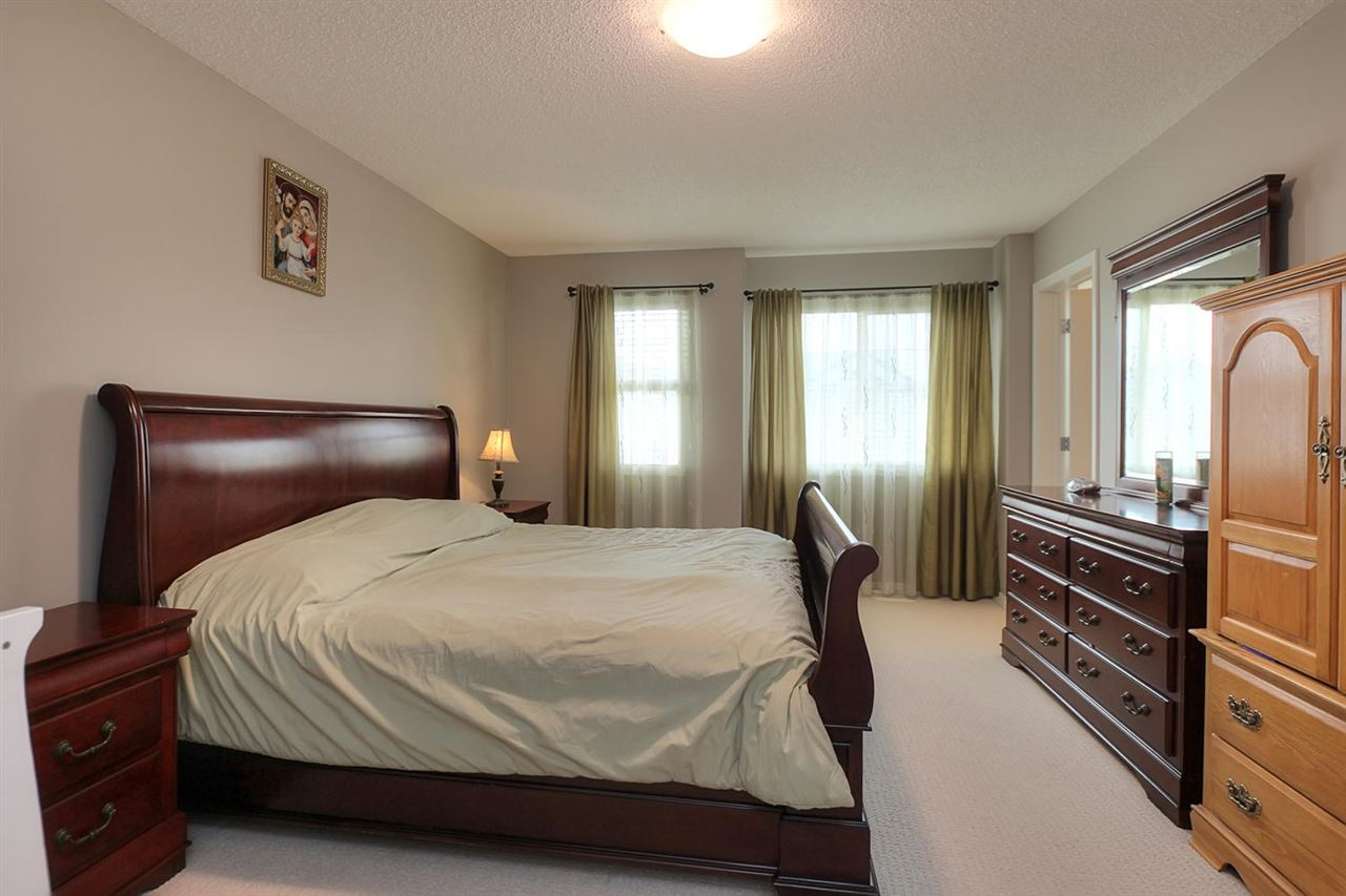 The master suite is located on the upper level, separated from the main living area, and is large enough to accommodate your king size bed & all your furniture. It also features a 4-piece ensuite & walk-in closet.