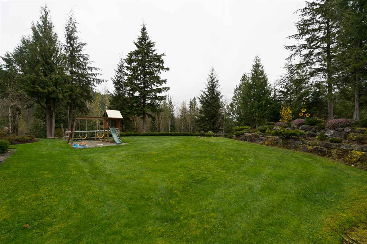 Photo 17: Photos: 5843 UPPER SUMAS MOUNTAIN Road in Abbotsford: Sumas Mountain House for sale : MLS® # R2201326